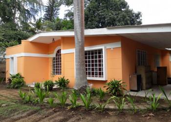 Se vende: Casa en Carretera Sur km 13, precio rebajado a $150,000 negociables!