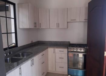 Se vende: Casa nueva en las Colinas; Managua