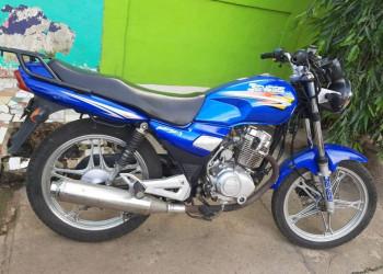 Vendo moto Génesis