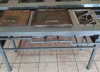 Cocina industrial 3 en 1: Freidora + Plancha + 1 quemador.